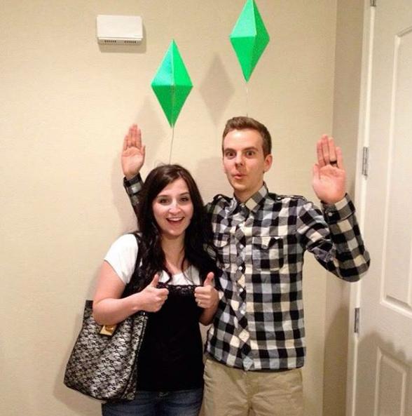 Frau und Mann mit Sims-Icon